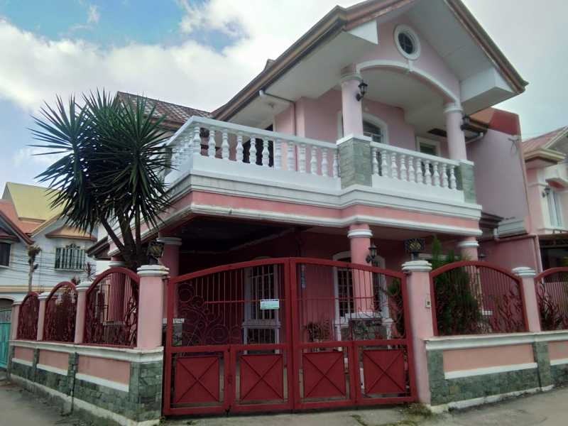 Baguio House Lot For Sale at Kennon Road in Camp 7